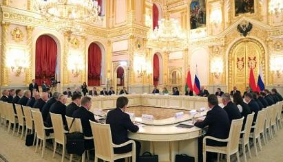 Путин поздравил Лукашенко сДнем независимости Республики Беларусь